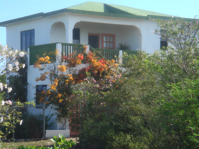 Country Cottage Anguilla: View from outside (photo courtesy of CountryCottageAnguilla.com)
